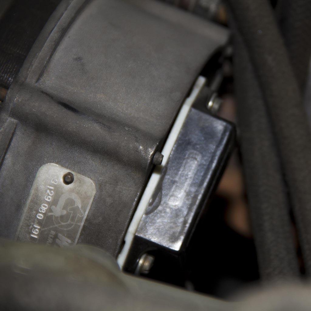 Trocando o Regulador de Voltagem - Alternador Bosch - Camper [Tutorial]