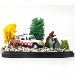 Diorama - 1:43 - Land Rover Defender Floresta