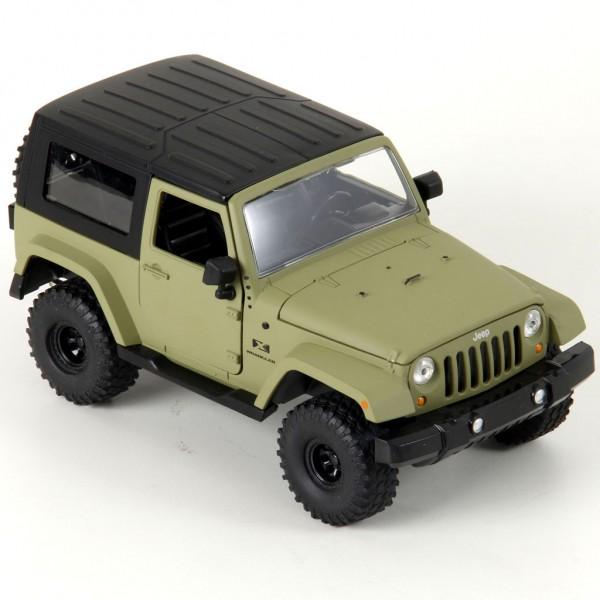 Miniatura em Metal - 1:24 - Jeep Wrangler 2007 Hard Top - Verde Fosco