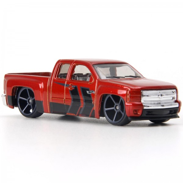 Hot Wheels - Chevy Silverado - Chevrolet Trucks 100 Anos - FKD12